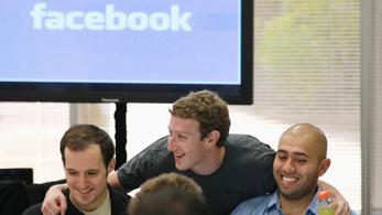 A Facebook dolgozói tiltakoznak, amiért a cég hagyja hazudni a politikusokat
