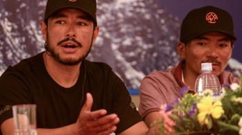 Hét hónap alatt meghódította a világ összes nyolcezres hegyét egy nepáli