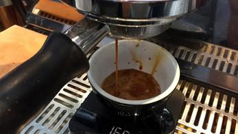 A rendszeres kávézástól egészségesebb a bélrendszer