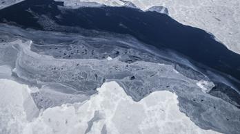 Megindult az Antarktiszról leszakadt gigantikus jégtömb