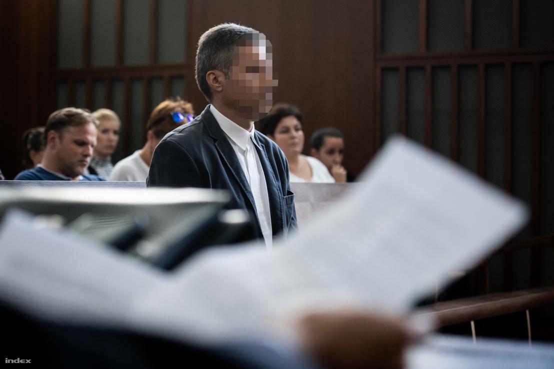 A vádlott a harmadik tárgyalás alkalmával a Győri Ítélőtáblán 2019. október 15-én