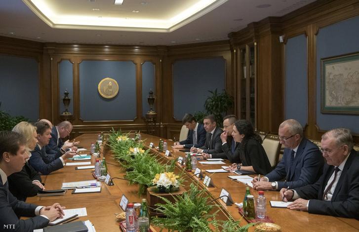 Szijjártó Péter és a Gazprom orosz állami gázipari monopólium vezérigazgatója Alekszej Miller találkozója Moszkvában 2019. október 16-án