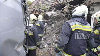 Az önkormányzat ad lakást a dabasi idős párnak, akiknek házába kamion csapódott