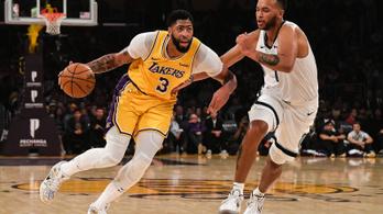 Shaquille O'Neal-i magasságokban a Los Angeles Lakers új sztárja