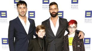 Megszületett Ricky Martin negyedik gyereke
