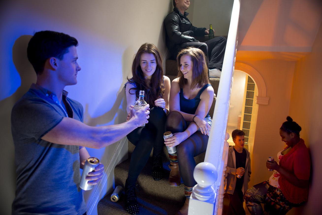 alkohol-hazibuli-tinedzser-ivas-reszeg