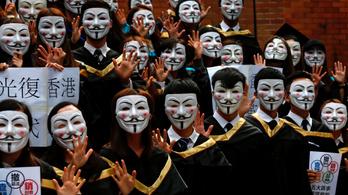 Halloweeni tüntetésre készülnek a hongkongiak