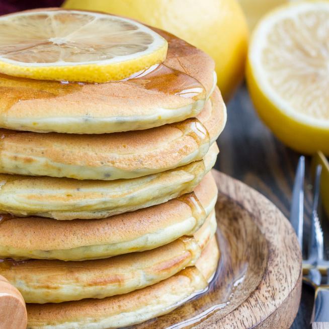 Citromos-chia magos amerikai palacsinta: könnyed, laktató és vitaminbomba reggeli