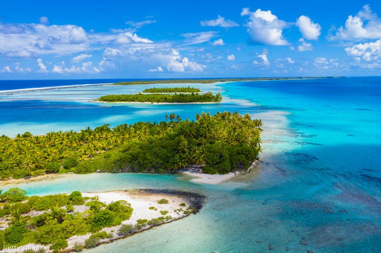 Francia Polinézia óriás akváriumaFrancia Polinéziában, a Tuamotu-szigeteken található Rangiroa szigetcsoportja, ami a föld második legnagyobb atollja