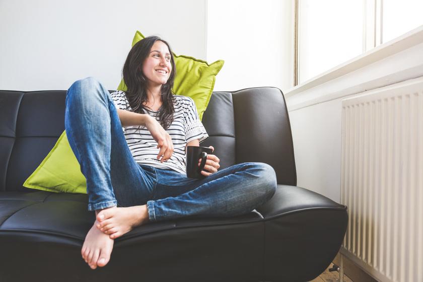 Odébb tolta a kanapét, csökkent a gázszámlája: így spórolhatsz néhány ügyes trükkel