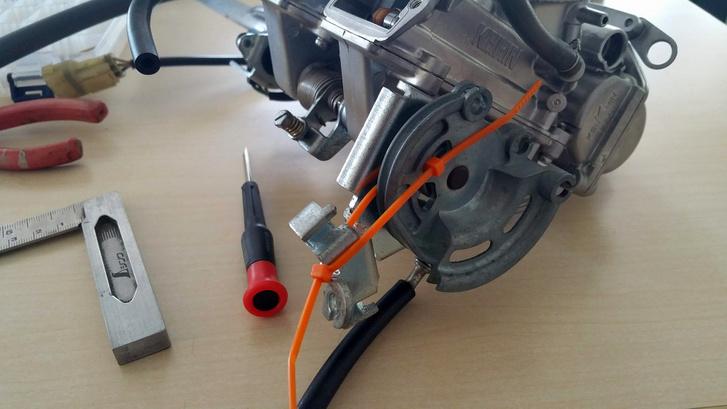 Nyélgáz imitáló kábel kötegelő