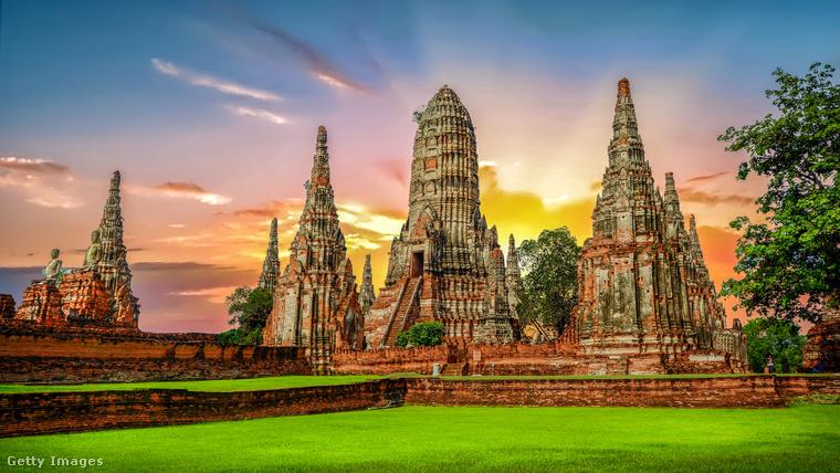 Thaiföld romjaiThaiföld Ajutthaja városát a 18