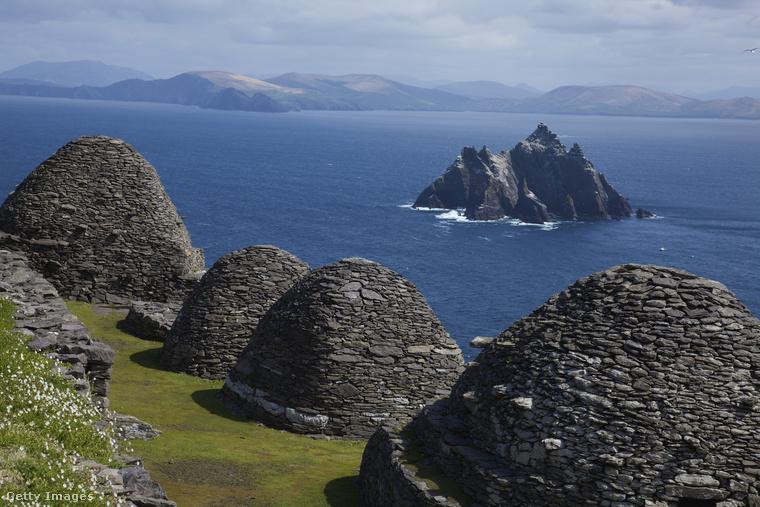 Szerzetesek szigeteA Skellig Michael sziget Írország délnyugati partjától 15 kilométerre fekszik