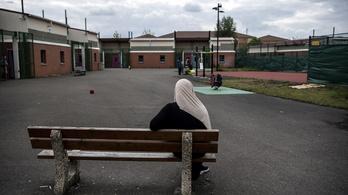 A franciáknál az osztálykirándulások szintjén is megjelent a fejkendő-vita