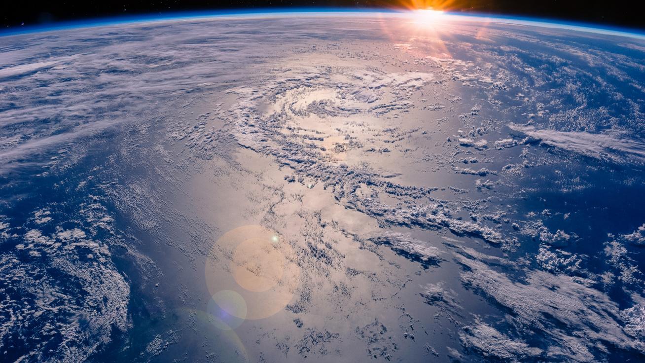 Elképesztően ritka jelenséget fotóztak a műholdak a Föld légkörében