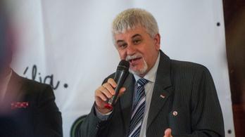 Újra nyitottá vált, ki lesz Komló polgármestere