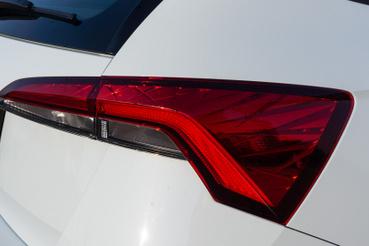 Fiat Tipo lámpa szögletes stílusban