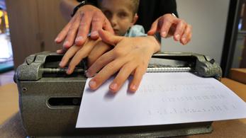 A Braille-írás eredetileg nem vakoknak, hanem katonáknak készült