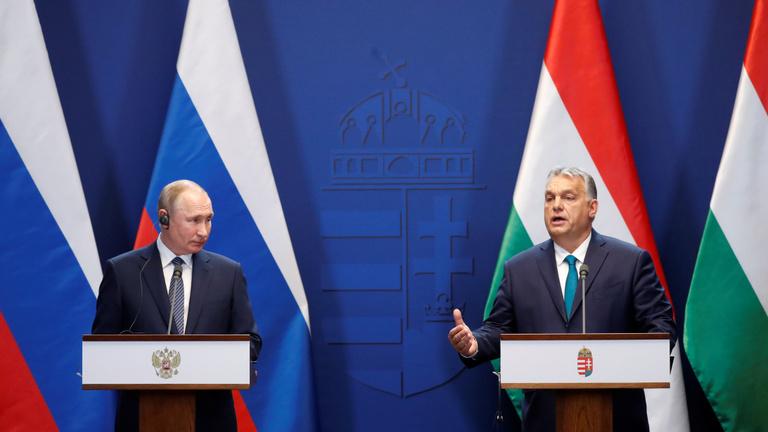 Orbán: Egyetlen ország sem tudja megválasztani a házszámát