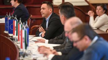 Újpesten otthagyta az MSZP-t a DK-ért a volt polgármesterjelölt