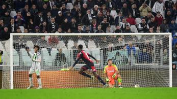 Úgy elrontotta a lövést, hogy tökéletes gólt rúgott Buffonnak