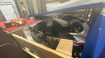 Motorba épített nyomkövető buktatott le egy tolvajbandát Londonban