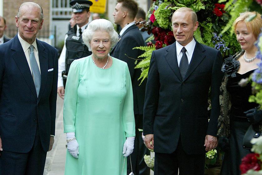 2003-ban Erzsébet királynővel és Fülöp herceggel találkoztak.