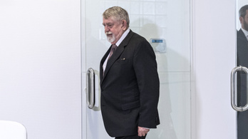 Kásler ajándékautói havi 54 ezer forintba kerülhetnek a kórházaknak