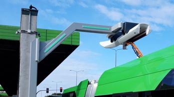 530 kW-tal töltik a buszokat egy lengyel állomáson