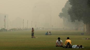 """""""Gázkamra"""" lett Delhiből a légszennyezés miatt"""