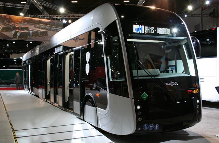Az üzemanyagcellás Van Hool ExquiCity a kiállításról egyenesen Franciaországba ment, ahol hamarosan forgalomba áll
