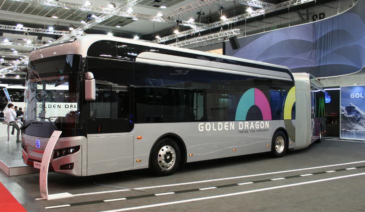 A Golden Dragon elektromos, csuklós Pivot E-18-asa