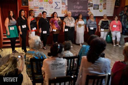 Tíz hölgy került be a döntőbe
