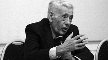 Meghalt Huszár Tibor szociológus