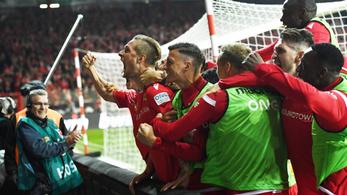 Vitatott büntetővel dőlt el a történelmi berlini Bundesliga-derbi