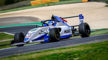 Tóth László hetedik lett a Formula-4-esek főversenyén