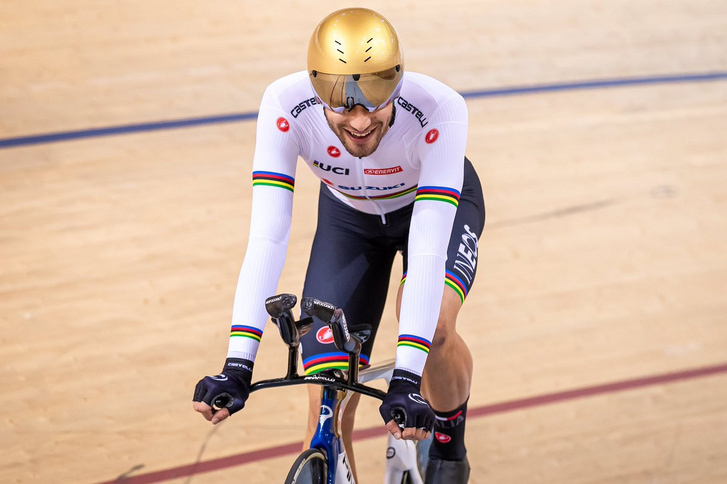 Filippo Ganna világrekordja után a minszki pályakerékpár világkupán