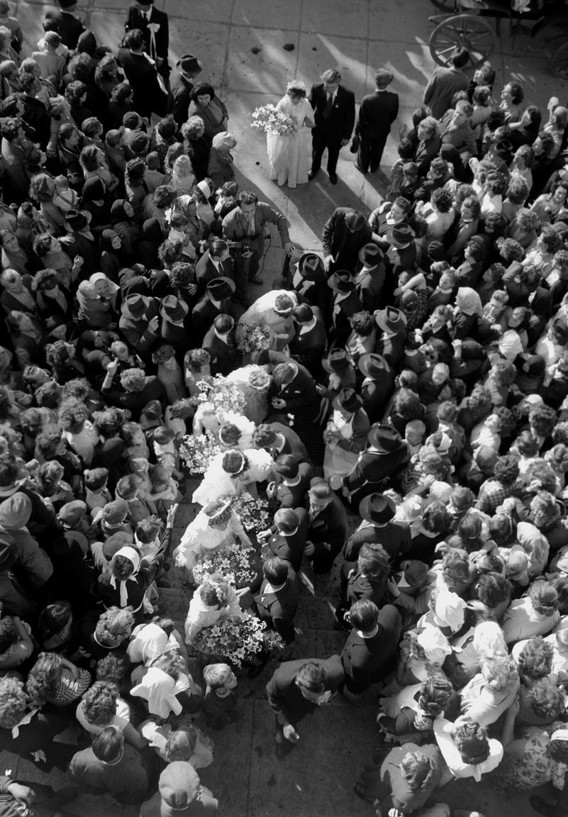 Hetes lagzi Kelet-Magyarországon: amikor Mezőtúr szövetkezeti város lett, az esemény méltó megünneplésére a termelőszövetkezet hét fiatal pár közös esküvőjét rendezte meg.