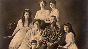 A Romanovok tragédiája: túlélhette valaki a mészárlást?