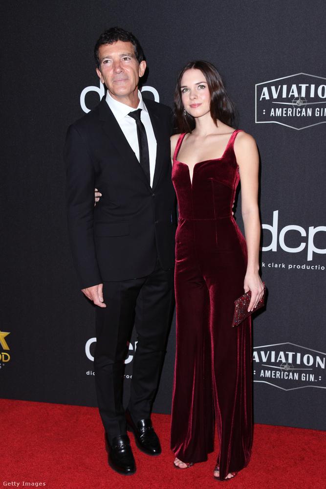 Szintén vele volt előző partnerével, Melanie Griffithszel közös lánya, Stella Banderas.