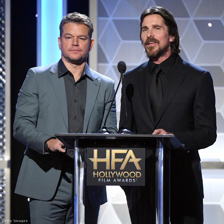 Valószínűleg őket sem kell bemutatni: Matt Damon és Christian Bale színészek beszélnek itt éppen, velük búcsúzunk, de ha ennyi nem volt elég összekapaszkodott hírességekből, nagyon ajánljuk még Angelina Jolie-t, aki a múltkor mintha röhögőgörcsöt kapott volna Michelle Pfeiffer oldalán.