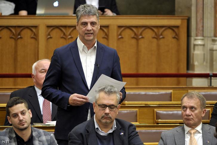 Gréczy Zsolt a DK parlamenti képviselője napirend előtt felszólal az Országgyűlés plenáris ülésén 2019. november 4-én