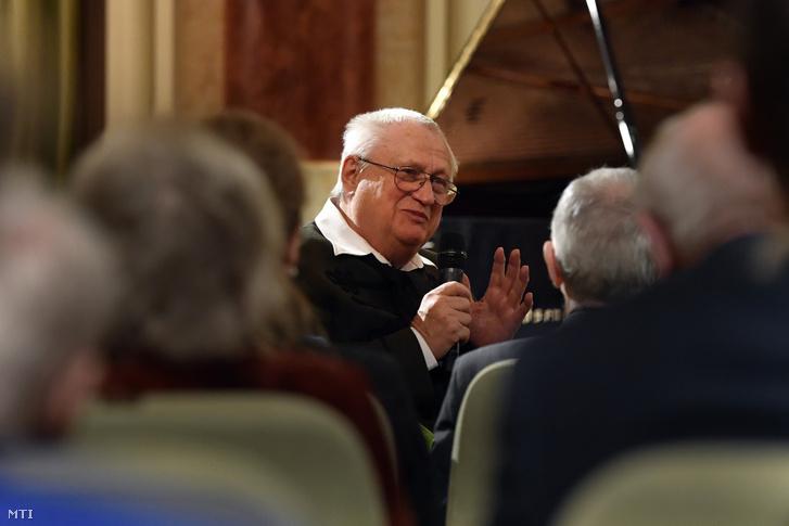 Czakó Gábor Kossuth-díjas író