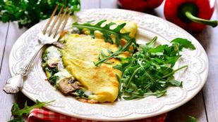 Ezt már csak megérdemeljük reggelente: omlett erdei gombákkal és parmezánnal
