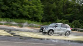 Válasz a taknyos utakra: Totalcar vezetéstechnikai tréning