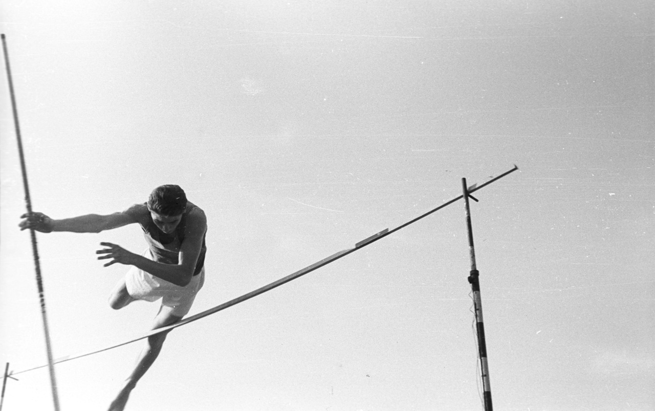 A labdarúgó mérkőzések mellett az atlétikai versenyek is rendszeresek voltak a Népstadionban. A stadion utolsó jelentős sporteseménye is az atlétikához kötődik, 1998-ban itt rendezték az atlétikai Európa-bajnokságot, és az utolsó években is az atlétikáé  volt a főszerep a válogatott meccsei mellett. 2011-ben a Gyulai István Memorial atlétikai versenyt rendezték a Népstadionban, amin olyan világsztár is részt vett, mint a jamaicai sprinter, Asafa Powell. Az előfutamban 9,90 másodperccel, majd a döntőben 9,86 másodperccel győzött, ez azóta is a Magyarországon valaha futott leggyorsabb 100 m-es idő.