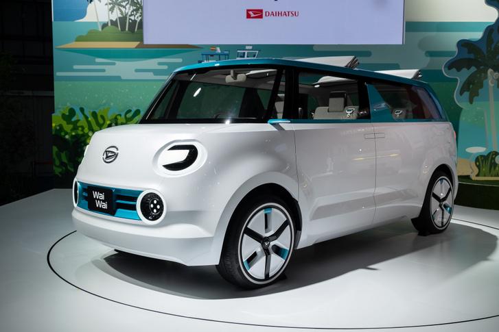 Fiat Multipla ez? Dehogy, egy Daihatsu WaiWai, a tokiói szalon egyik autószerűbb alkotása