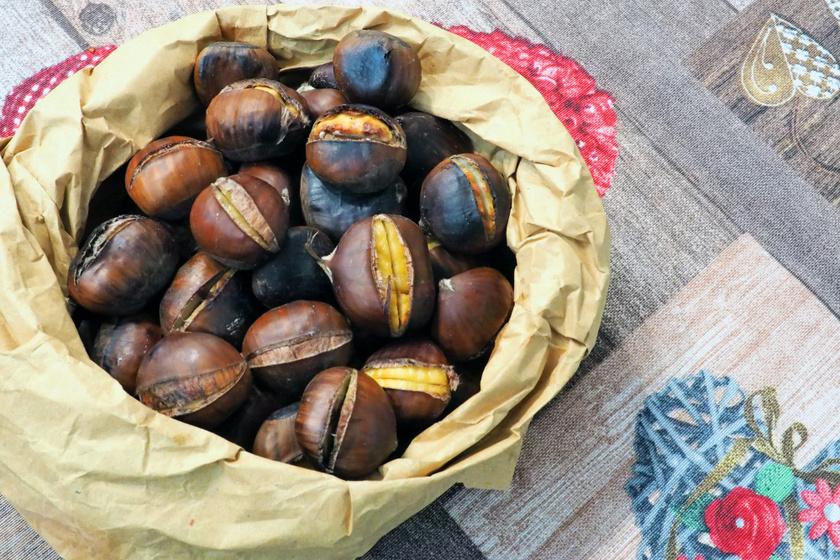 A tökéletes házi sült gesztenye receptje: parázson vagy sütőben is elkészítheted