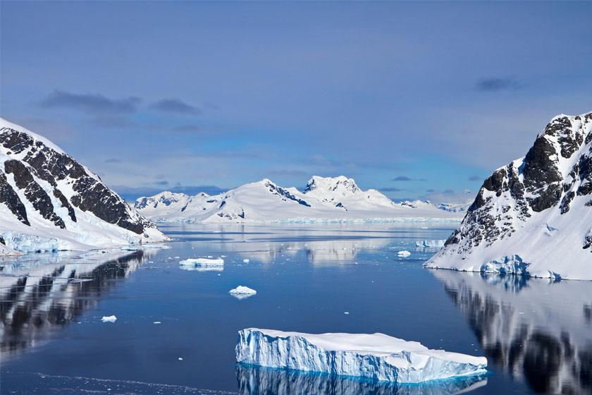 Tagadhatatlanul a világ legmisztikusabb tája. Vajon megbújhat egy piramis a hegyvonulatai és hatalmas gleccserei között?