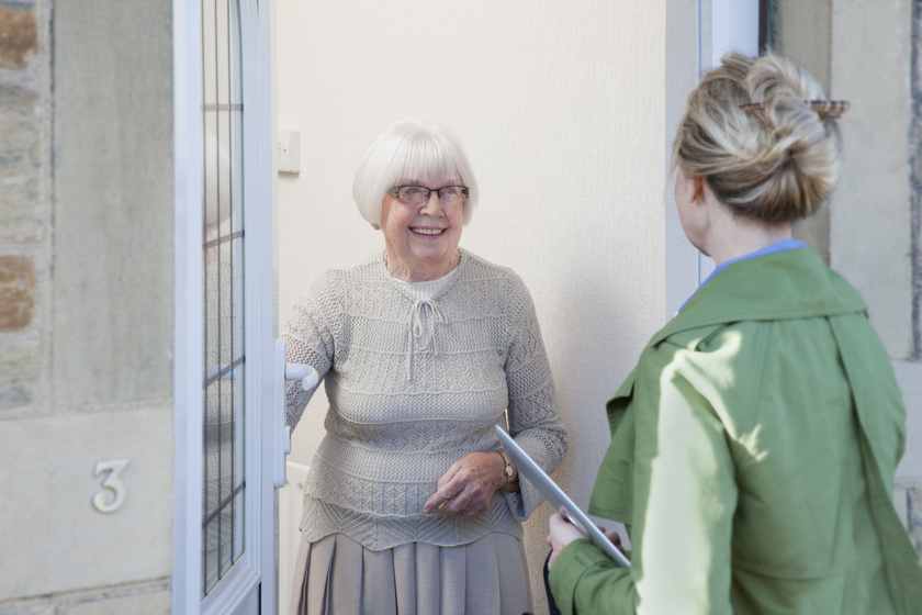 idős biztonság bejárati ajtó